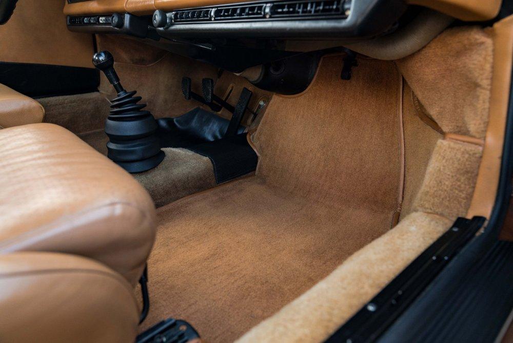 1975_porsche_911_carrera_1547511533a38c36e766ed7691975_Porsche_Carrera_-157.jpg