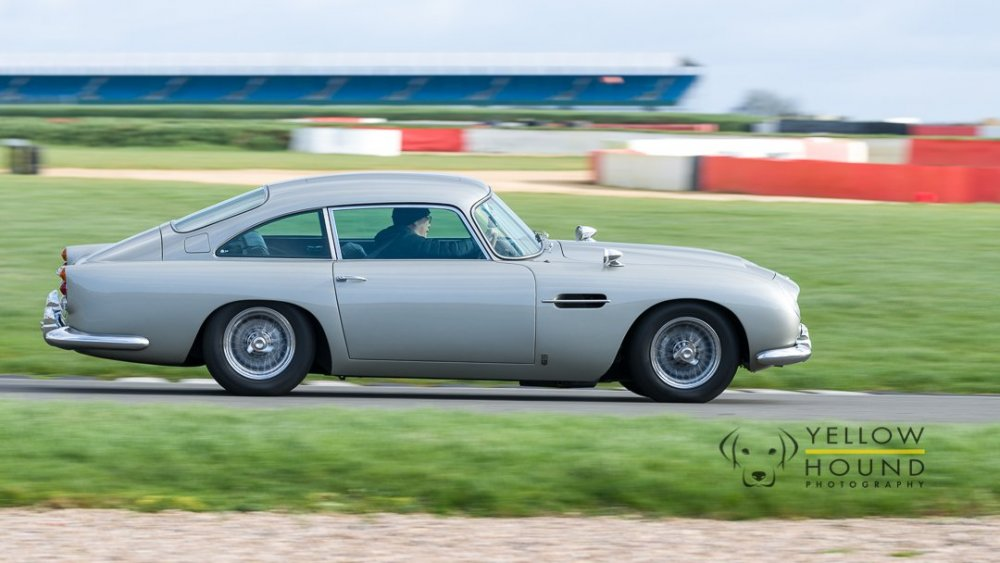 Aston-6.thumb.jpg.34bce162490ce4727b67326a621b1559.jpg