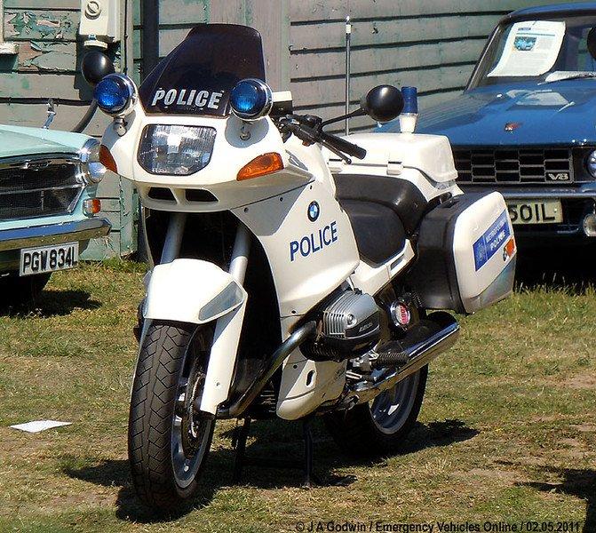 policpres-bmw-bike-r121seg-nsf-L.jpg