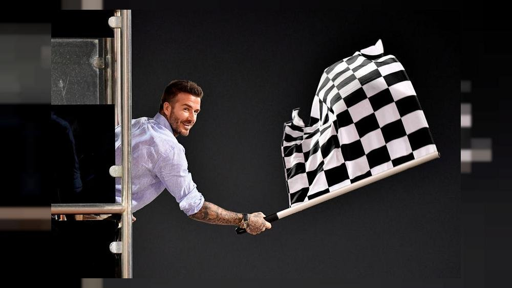 1000x563_f1-waves-chequered-flag-for-tradition-over-technology.jpg